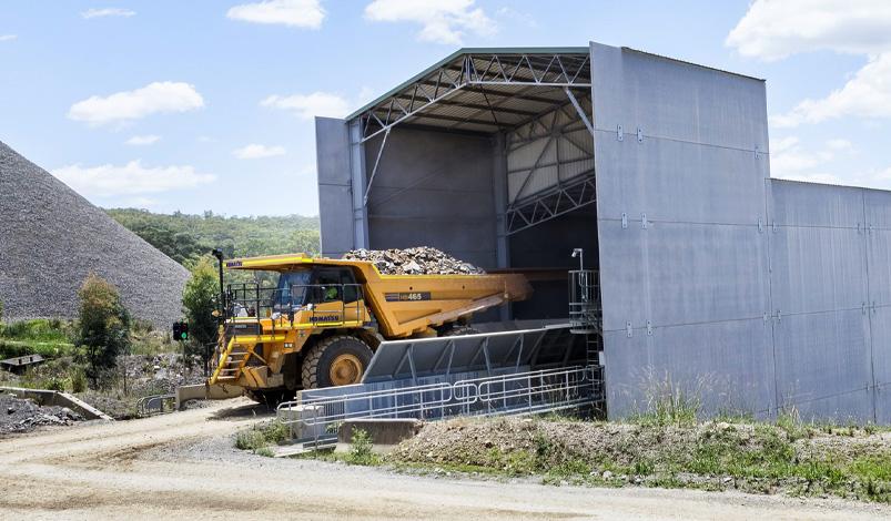 quarries-crusher-truck